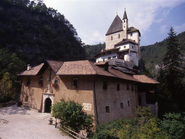Santuario_San_Romedio